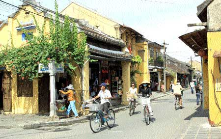 Hoi An, ancient houses, restoration work, protect the old town