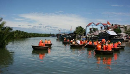 Hoi An, eco-tours, attracts visitors, Cam Thanh Village, Vietnamese traditional crafts